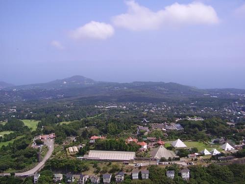 大室山から見るシャボテン公園